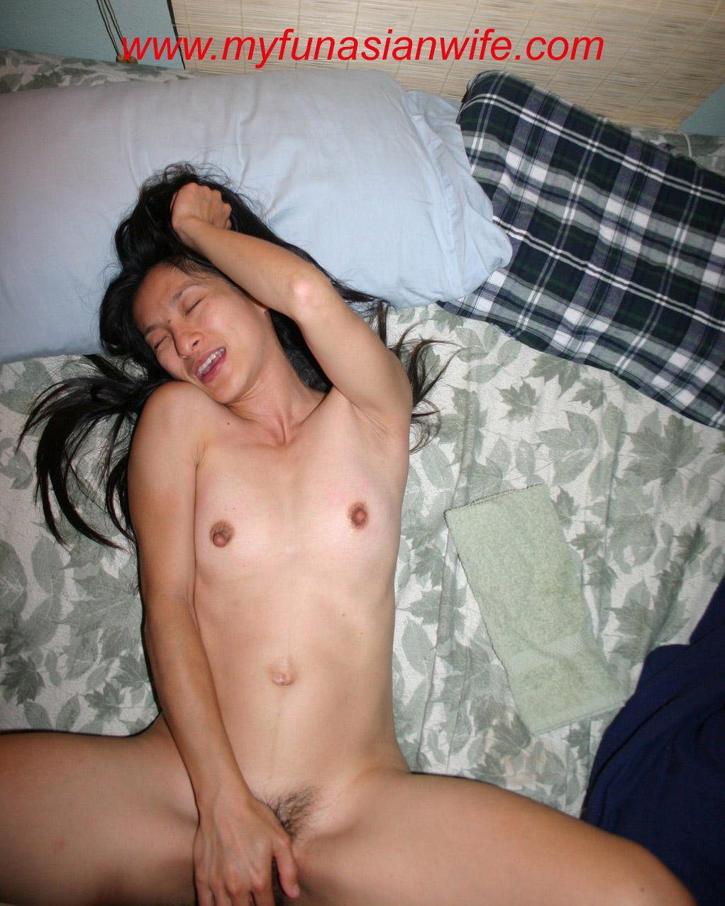 3 my wife fucking her best friend from high school 1